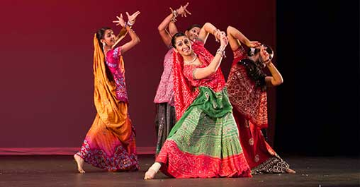 Beyond-Bollywood-Dancers